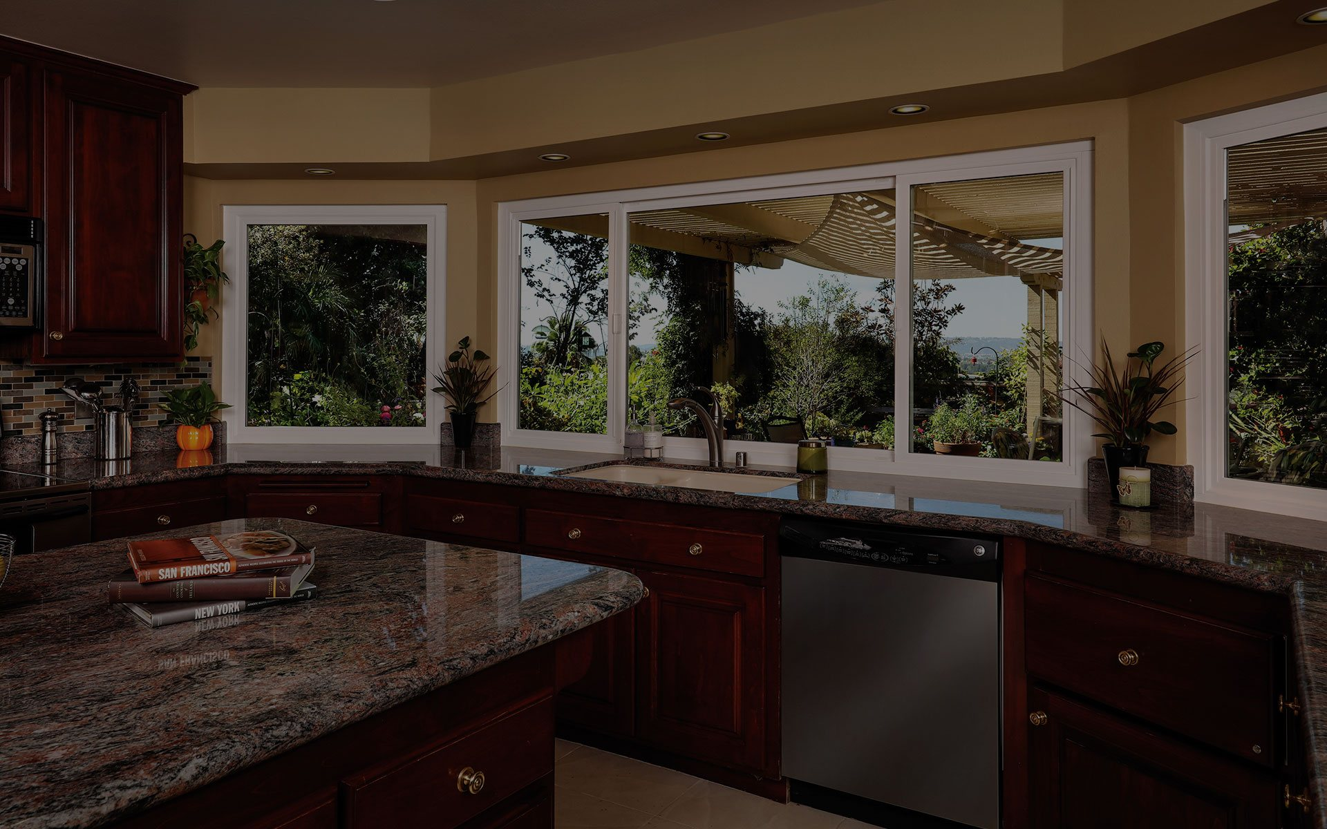 Fountain valley windows doors replacement pacific for Replacement for windows